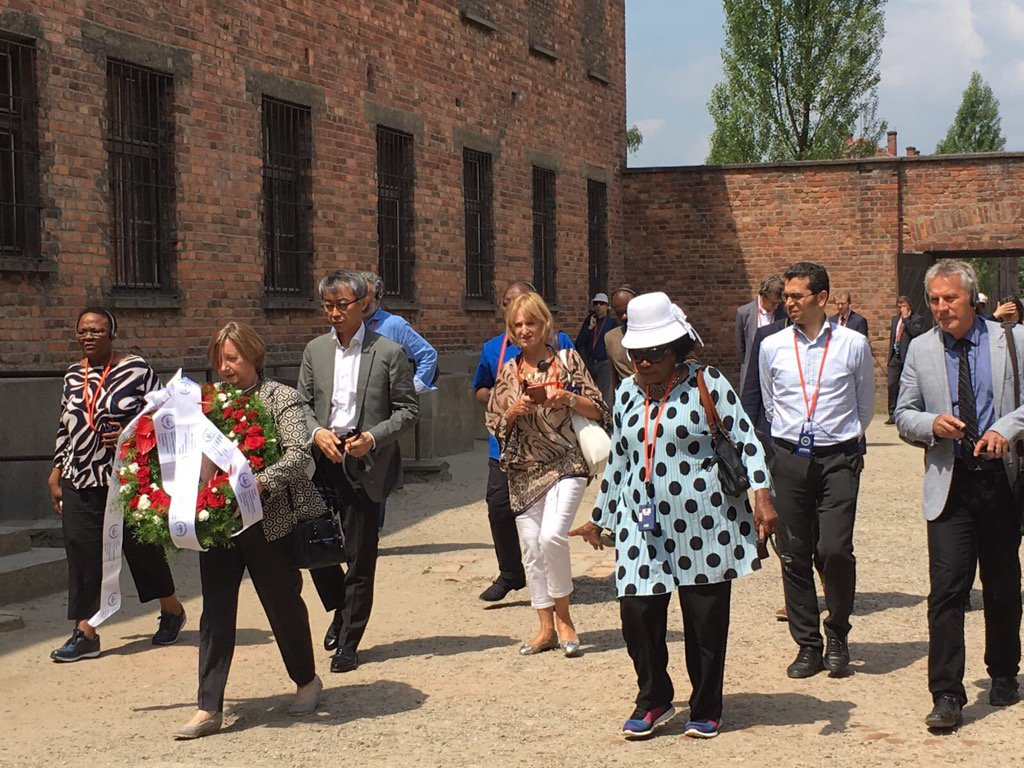 #ICC Judges visit @AuschwitzMuseum, paying respect to the victims of the atrocities committed there<br>http://pic.twitter.com/b3ZcdeqtZq