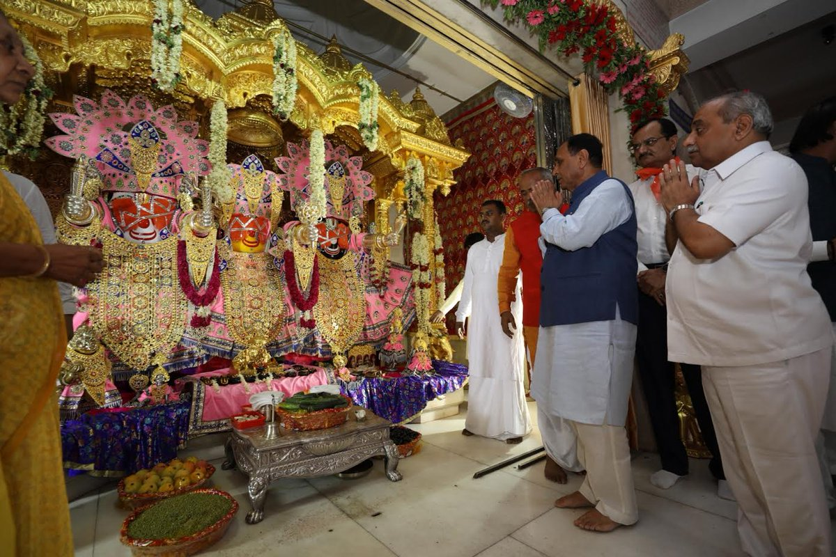 CM inspects preparations of Rathyatra at Jagannath Temple of Ahmedabad