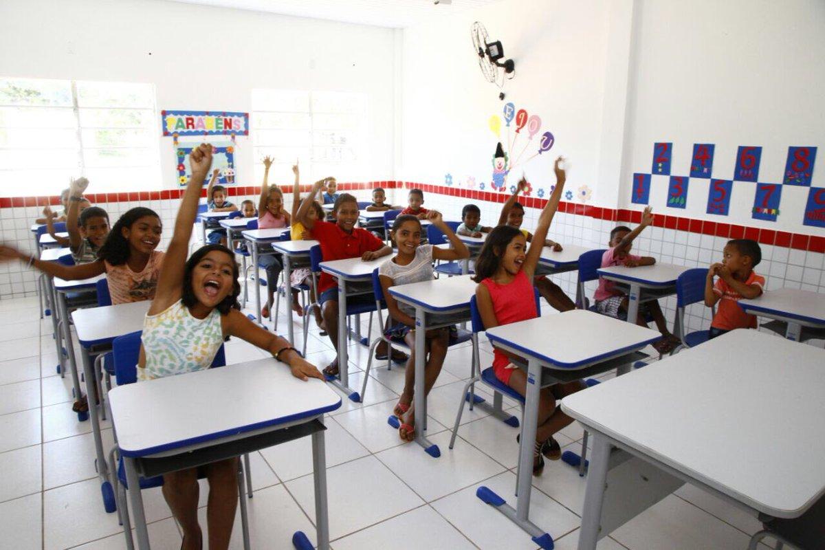 As crianças são pura animação com a escola nova! #EscolaDigna #GovernoDeTodosNós https://t.c