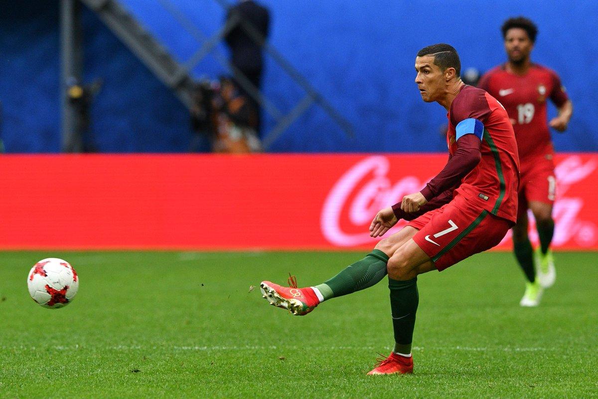 FIM DE PAPO! Portugal goleia a Nova Zelândia e se classifica para a próxima fase da Copa das Confederações. SIGA: https://t.co/4DmDQkWOch