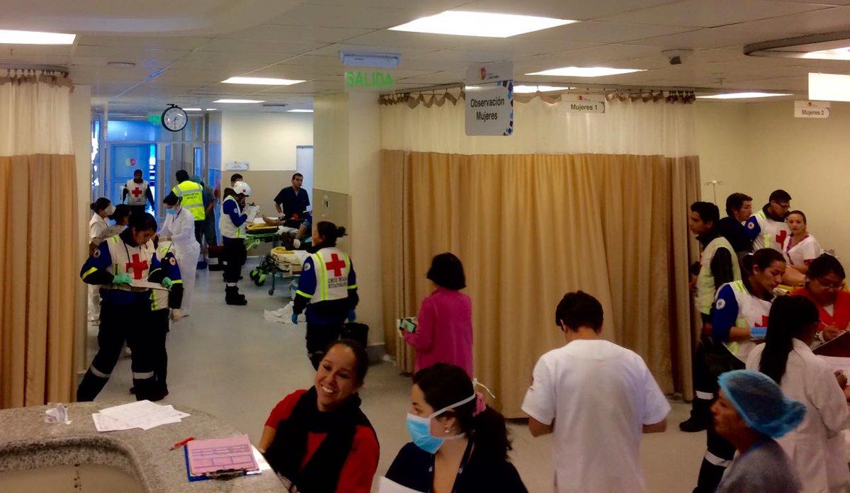 Hospital de #Calderón atiende a 11 víctimas de accidente en #Oyacoto quienes se encuentran estables @ECU911Quito .@Salud_CZ9pic.twitter.com/UEJC3FPWq3