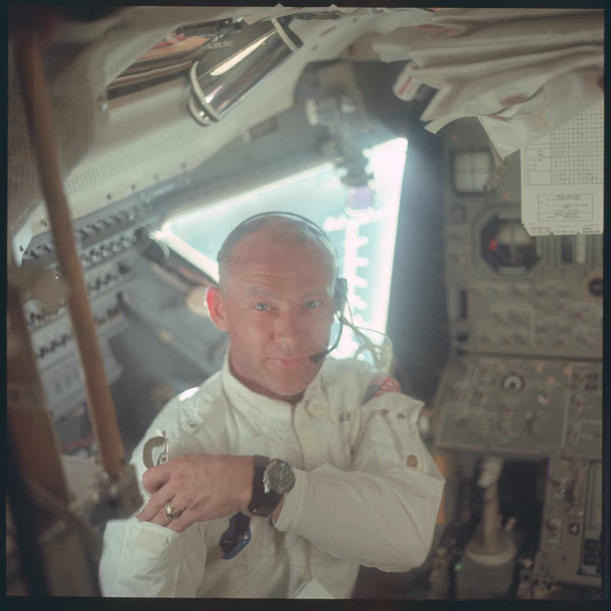 My favorite #RightStuff mode pic: ( could be an ad for @ray_ban or @omegawatches )  @TheRealBuzz aka #BuzzLightyear  @NASA #Apollo11<br>http://pic.twitter.com/X7KtHbdyyi