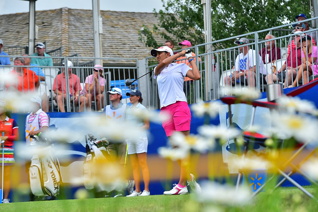 .@aditigolf birdies No. 7 to move to 8-under @NWAChampionship and is 4...