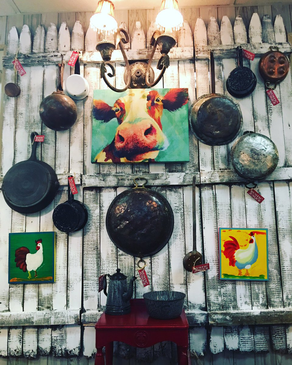 Moo!! You never know what you&#39;ll find at Rustic Junque! #moo #cow #chicken #georgewashington #iron #copper #rusticdecor #rusticjunque<br>http://pic.twitter.com/7NS4zwpqhm