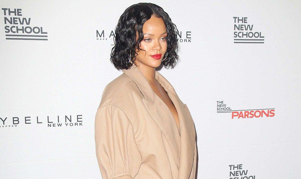 #Rihanna a interpellé @EmmanuelMacron sur Twitter ! On attend avec impatience la réponse 😉 https://t.co/4IPxFZO891
