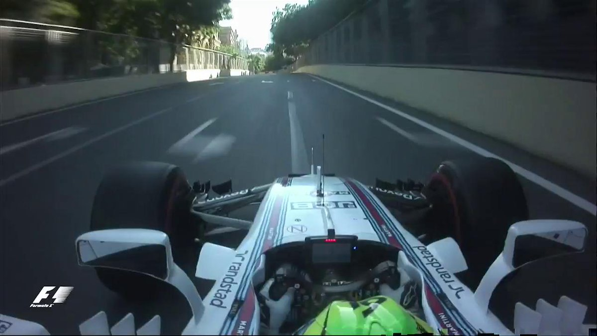 Must-see: @MassaFelipe19 makes massive saves 😲  #F1 #AzerbaijanGP http...