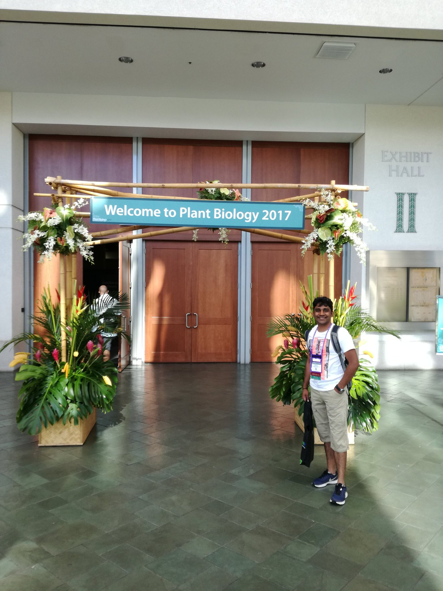 Looking forward to do networking and hear exciting research and in #plantbio17 meeting #Honolulu https://t.co/P2O4XTw6Px