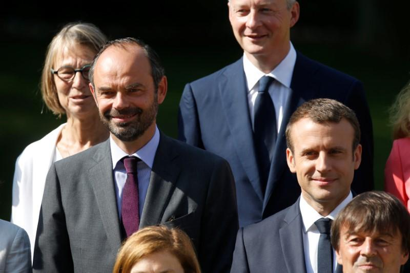 French President Macron, PM Philippe approval ratings rise - poll https://t.co/VN7xPIwkW3