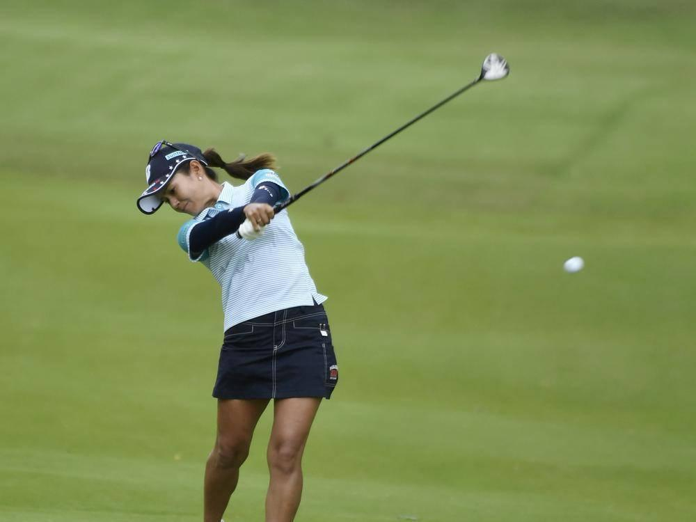 Park shoots 63 to take 2-shot lead at LPGA Tour event https://t.co/TfD...