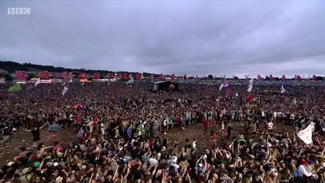 .@stormzy1 creating the biggest moshpit Glasto has ever seen 😅👀  #Glas...