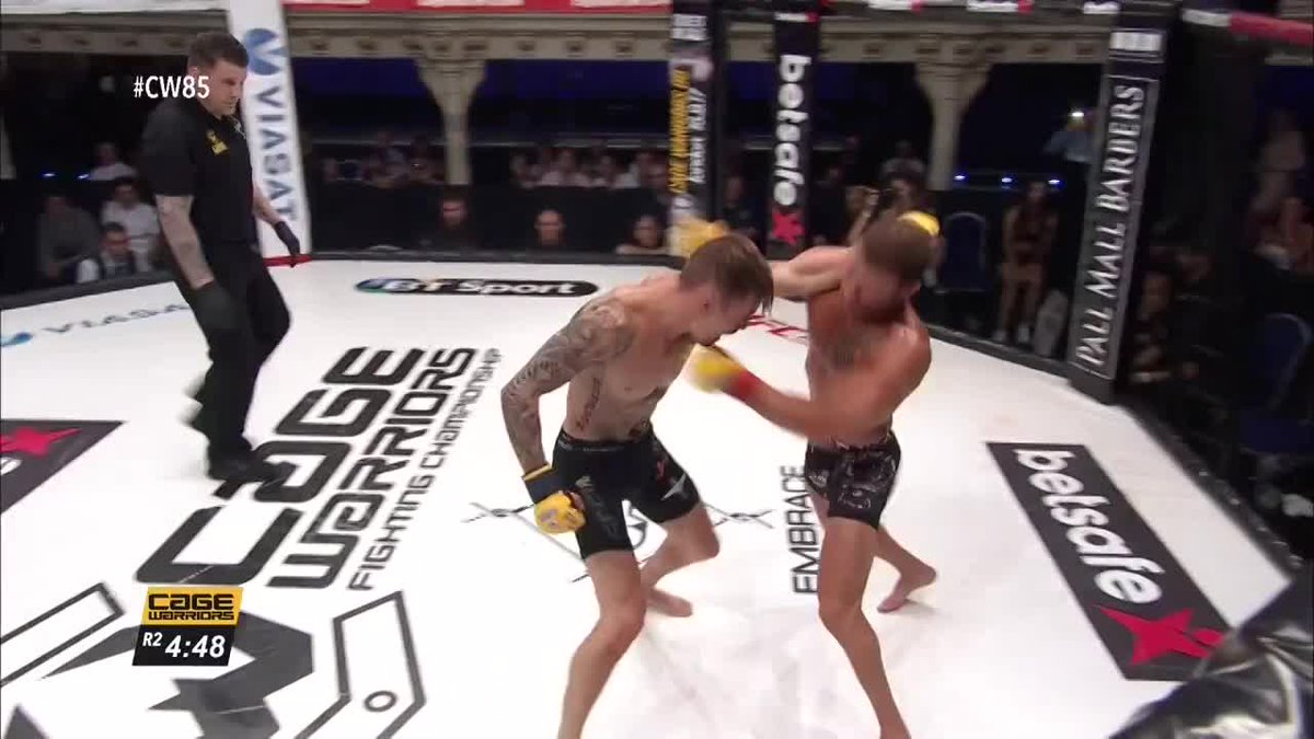 WOW!!😱   Damo Weeden with a massive comeback win!!! #CW85 https://t.co...