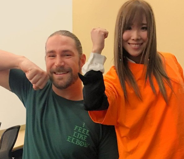 A very good photo of Kassius Ohno (because it has Kairi Hojo in it) ht...