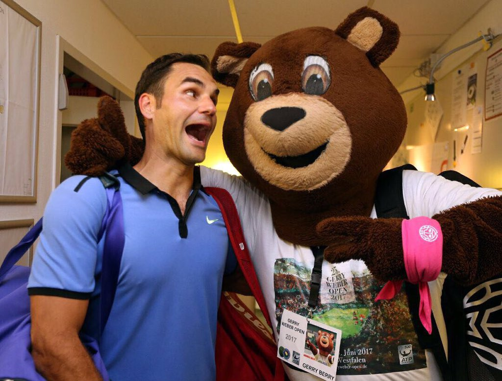 In case you can't tell, playing here in Halle makes me pretty happy 😀🐻...