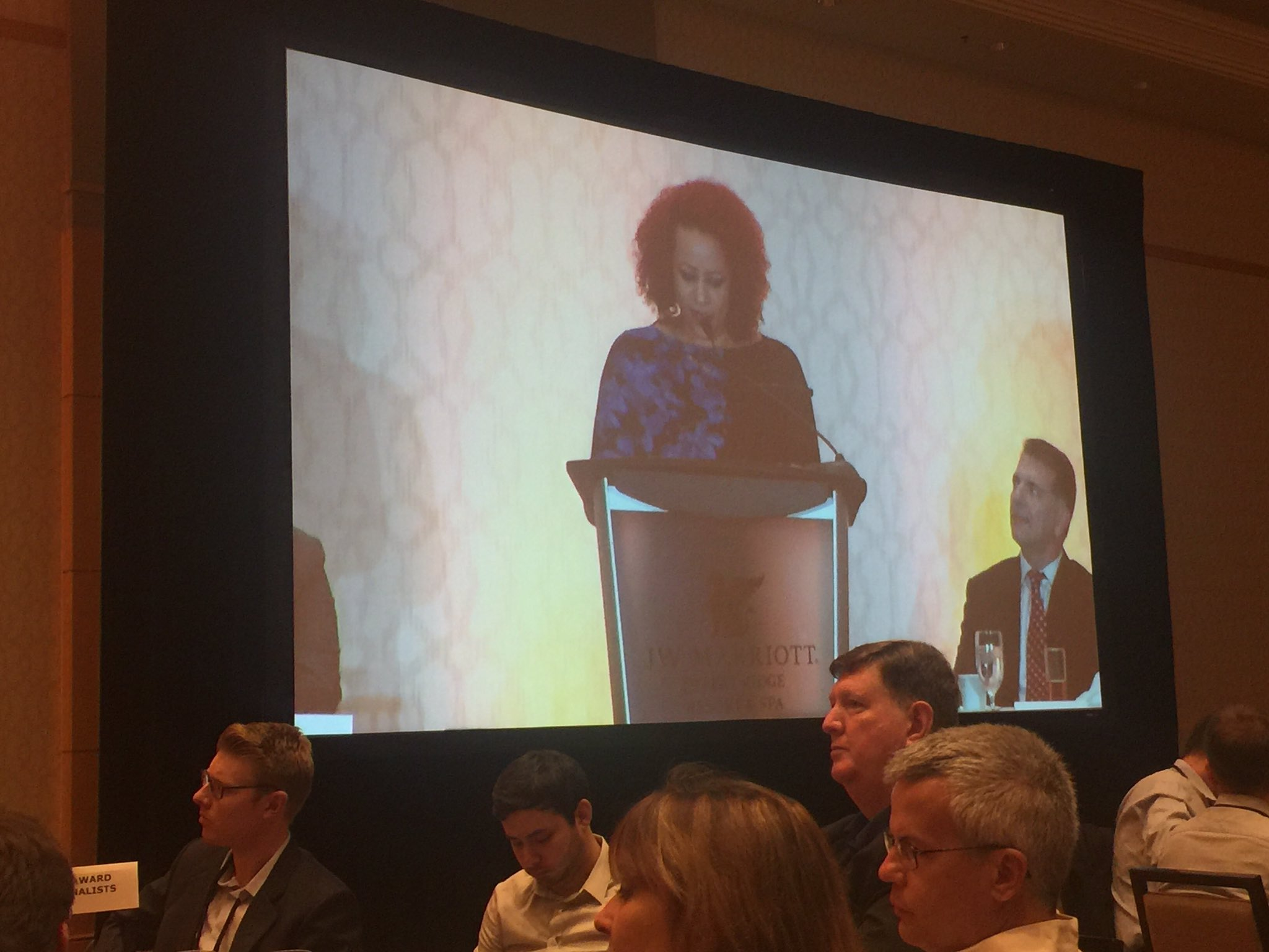 The lack of newsroom diversity sends the message that the experiences of black and brown people are not important. - @nhannahjones #IRE17 https://t.co/QuwXwbmRlZ