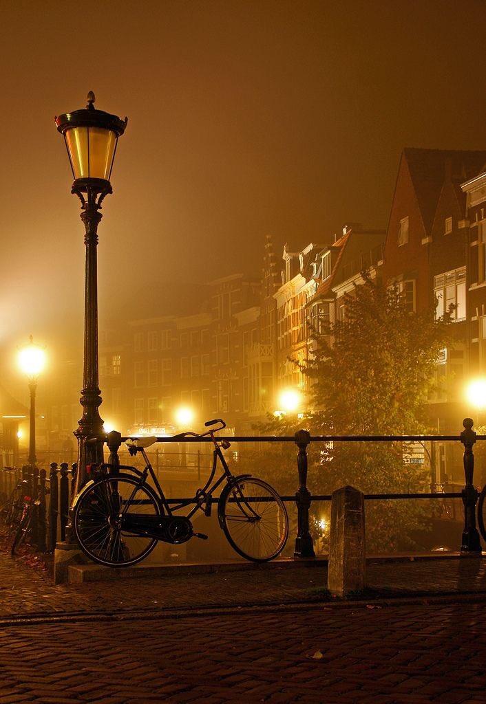 Good night  #Amsterdam <br>http://pic.twitter.com/M8trtS1z6W