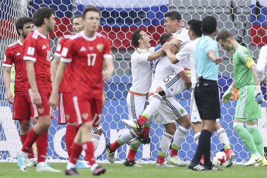 фото с матча россия мексика это, пока его