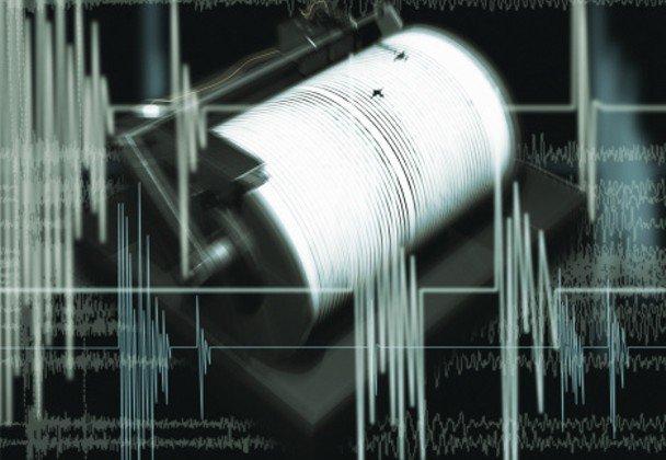 長野県南部で震度5強、津波の心配なし https://t.co/awtAqPIIWg https://t.co/vzo0pn4C1e