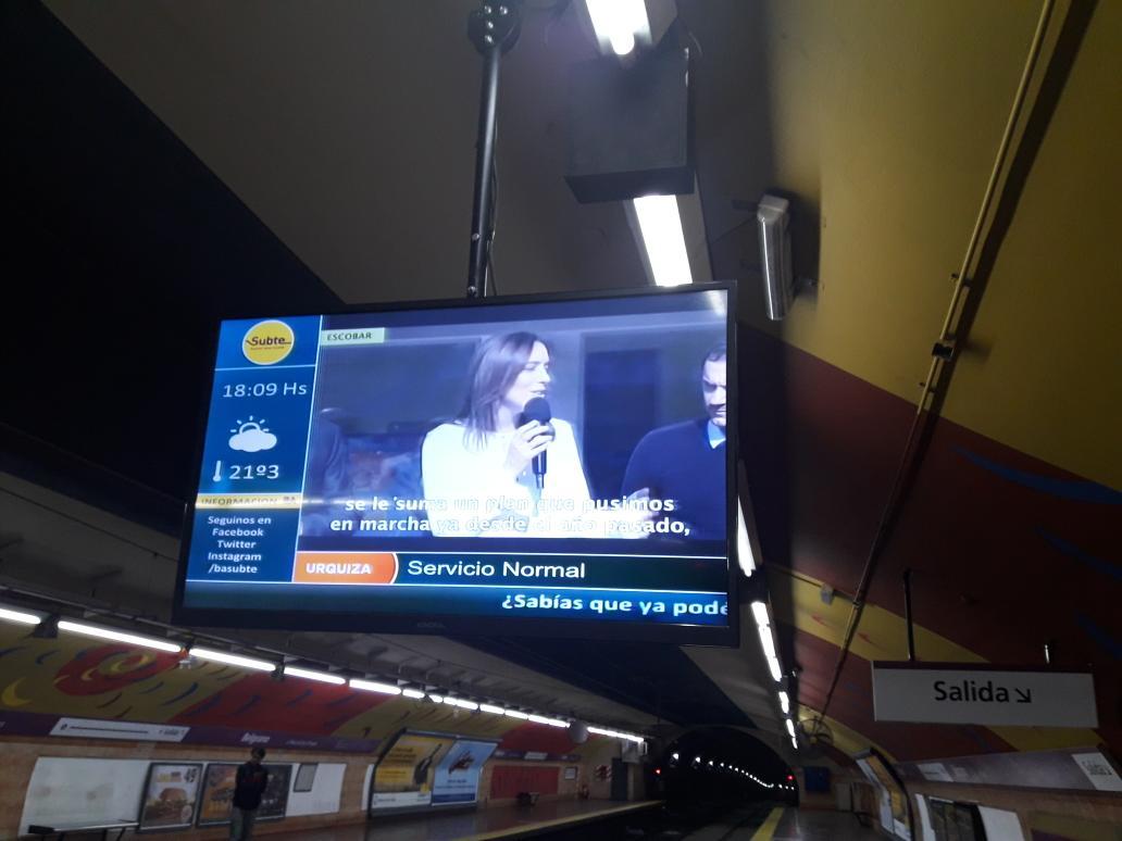 Propaganda de @mariuvidal en el Subte de la CABA. ¿Quién la paga? #Kirchnerismo