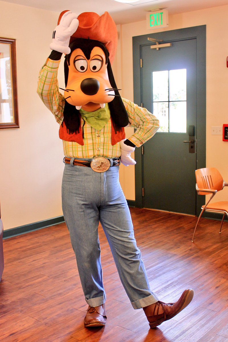 Cowboy Goofy is appearing Friday afternoons in June over at Saratoga Springs for resort guests! #disneyworld #disney #wdw #goofy<br>http://pic.twitter.com/LydpSxHX54
