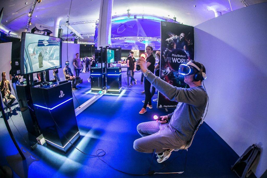 Quaestor World VR  https:// angel.co/quaestor-world -1/jobs &nbsp; …  #QuaestorMovie #Innovation #VR #AR #Technology #PlayStation #Sony #VideoGame #GameDev #Gamers #PS4<br>http://pic.twitter.com/R93opTKEQJ
