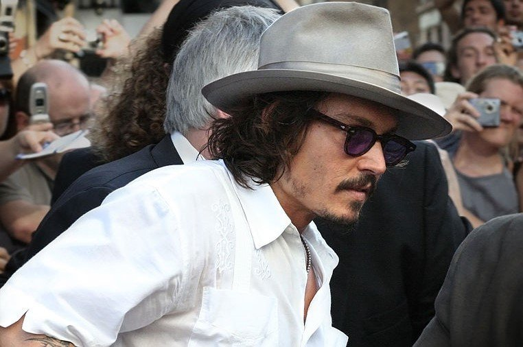 Johnny Depp Formally Apologizes After Making Assassination Joke About #Trump (STORY) https://t.co/t9qracEPyF