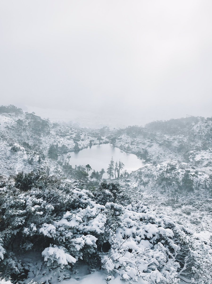 Cradle Mountain is a winter wonderland ️️ #discovertasmania #winter #travel<br>http://pic.twitter.com/qlH9baH3bL