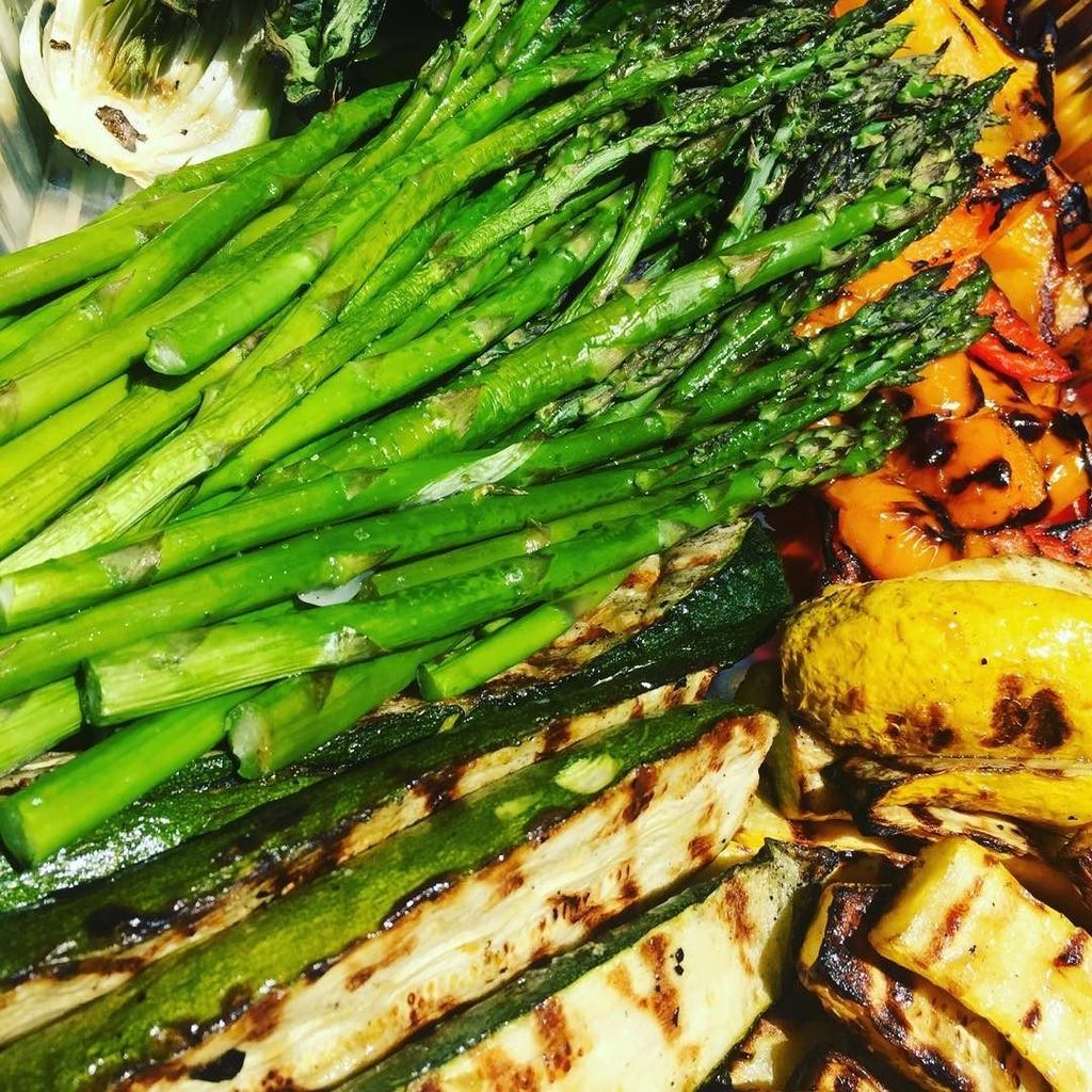 Grilled Veg Anyone? #veggies #grilled #fresh #asparagus #onthebarbie #catering<br>http://pic.twitter.com/ACZNb4skEZ