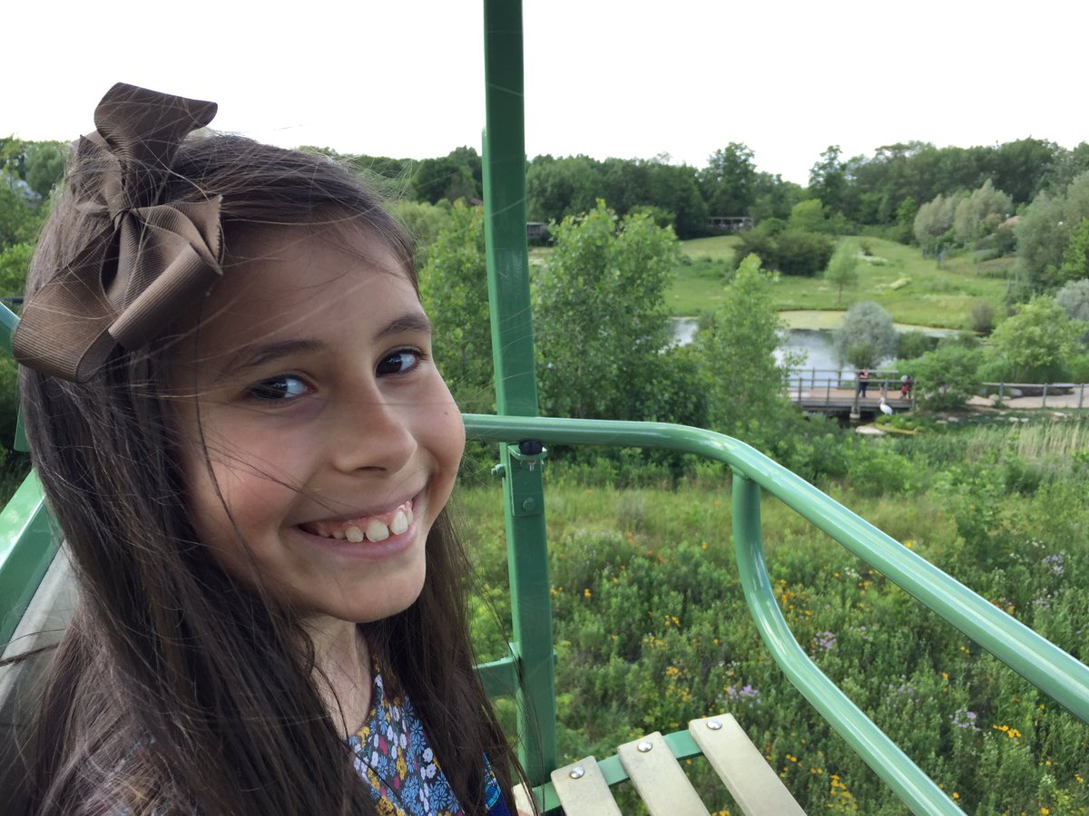 What?? We explored the zoo from above on the Sky Safari chair lift! Too cool! 🐯🐯🐯 #fwkidszoo #myfortwayne @VisitFortWayne ad #familytravel