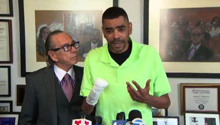 Man treated for pneumonia loses hand, seeking $100 million from hospital https://t.co/IGSioELxXz