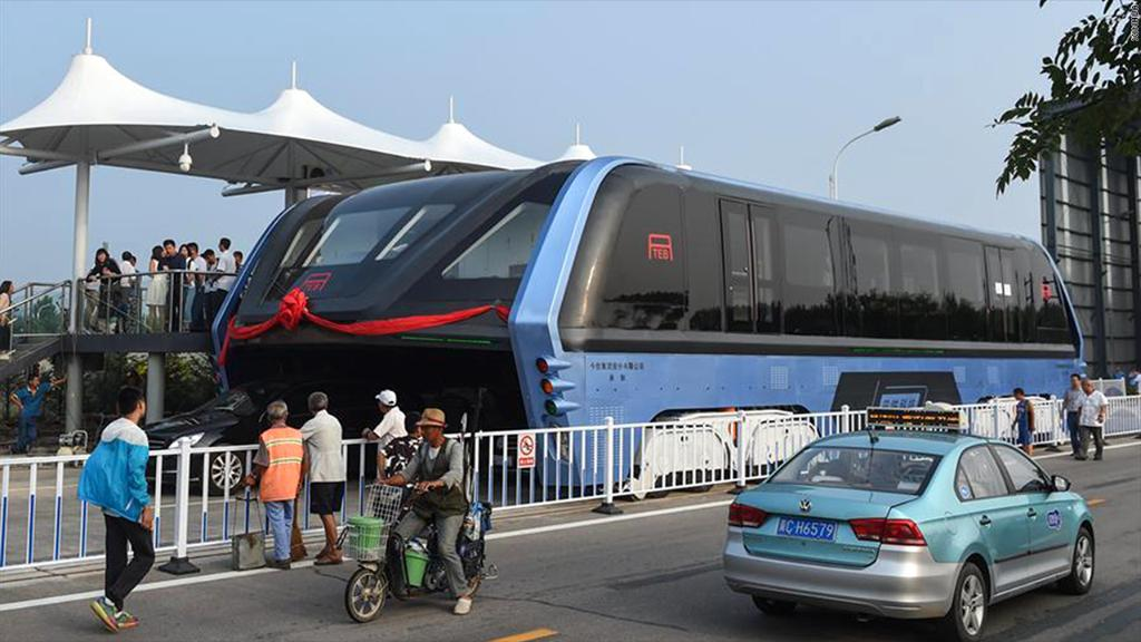 After serving as nothing but a giant roadblock for months, China's futuristic elevated bus bites the dust https://t.co/D9jWufPaP1