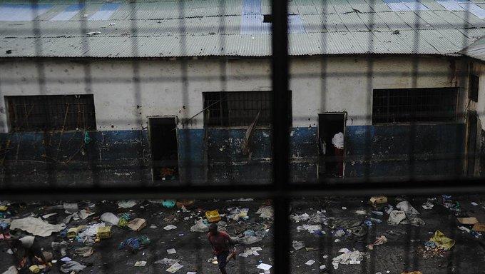 RDC: quatre artistes arrêtés et transférés à la prison de Goma, selon la Lucha https://t.co/l9yOuFAQEe