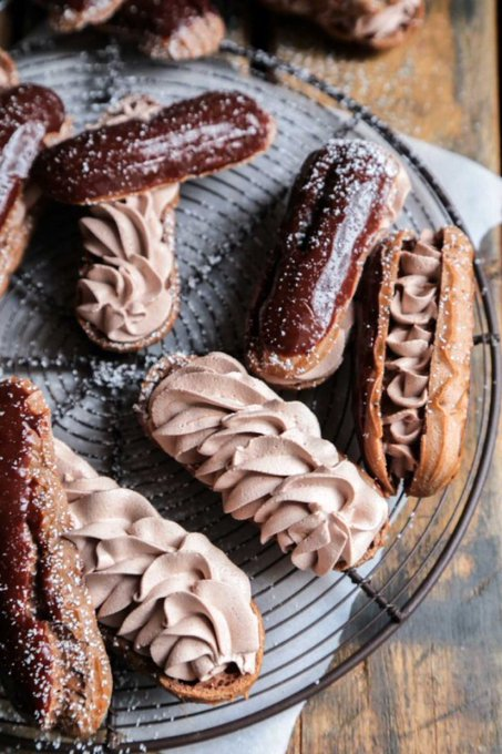 Bonjour! It's Eclair Day