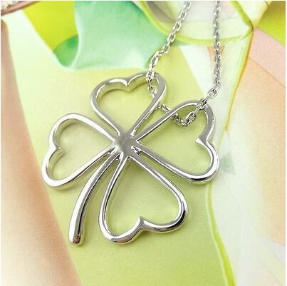 Elegant Necklaces with Clover Shaped Pendants
