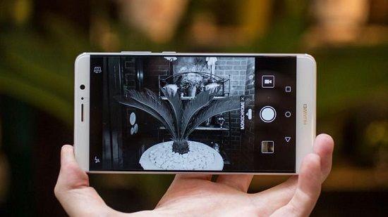 '화웨이 메이트10, 4개 카메라·베젤리스 적용' https://t.co/ybYsxS9bRU #zdk