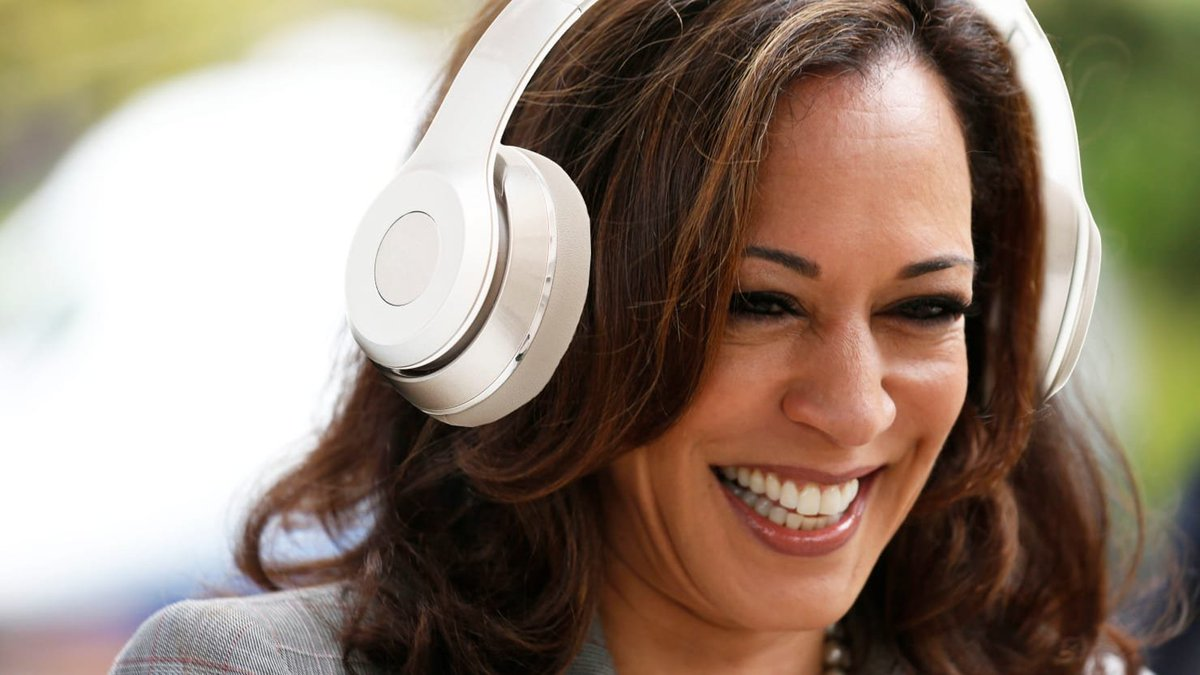 Kamala Harris' might be trying to tell us something with this political but smart playlist https://t.co/EtprmjmZ5Z