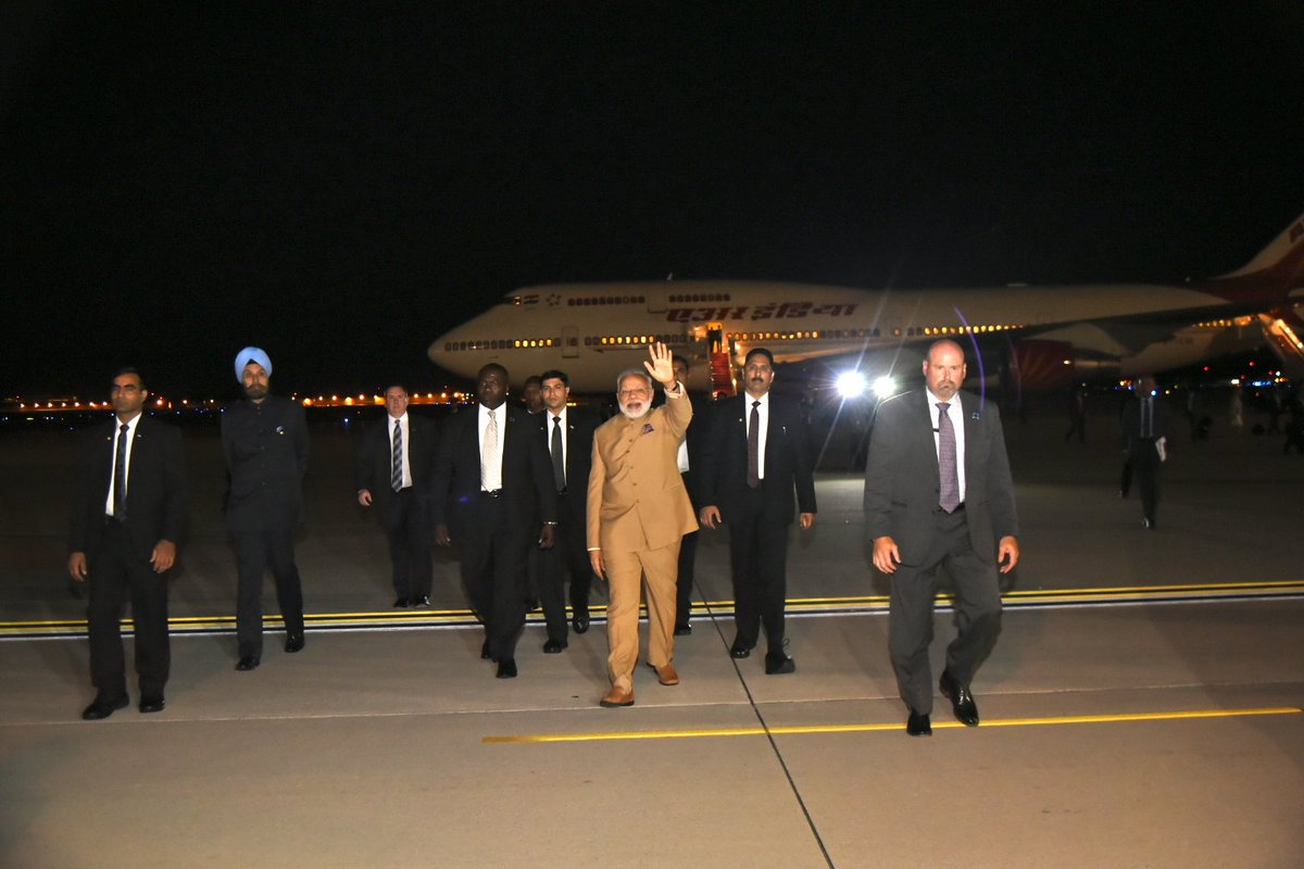 PM @narendramodi reached Washington DC. His USA visit will witness various programmes including talks with @POTUS & meeting with top CEOs.