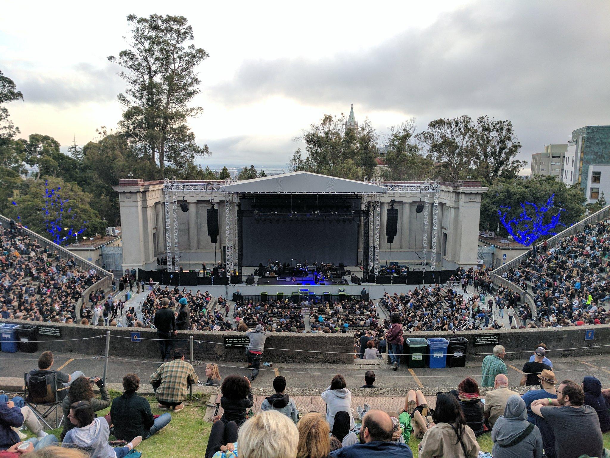 6/24/17 - Berkeley, CA, Greek Theater DDIv1fxUAAA1bwr