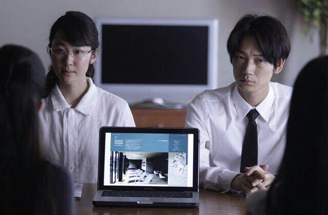 黒木華さんと綾野剛さん