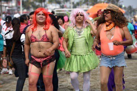 Resultado de imagen para imagenes gay ridiculos