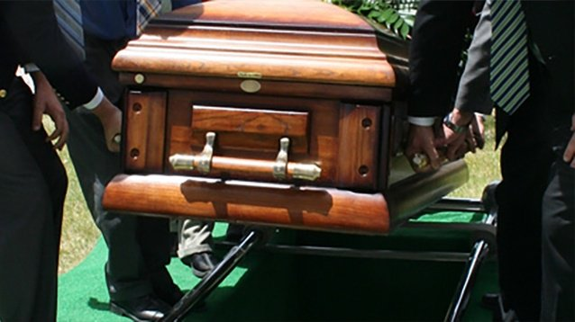 Dad buries wrong man after coroner's mistake https://t.co/mWh4WKKOfF