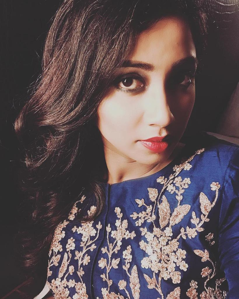 Just Woke Up With This Heart Attack By @shreyaghoshal.......  I&#39;m Sure You&#39;re Not From This Universe... You&#39;re An #Angel <br>http://pic.twitter.com/CqDUcjtJ4d