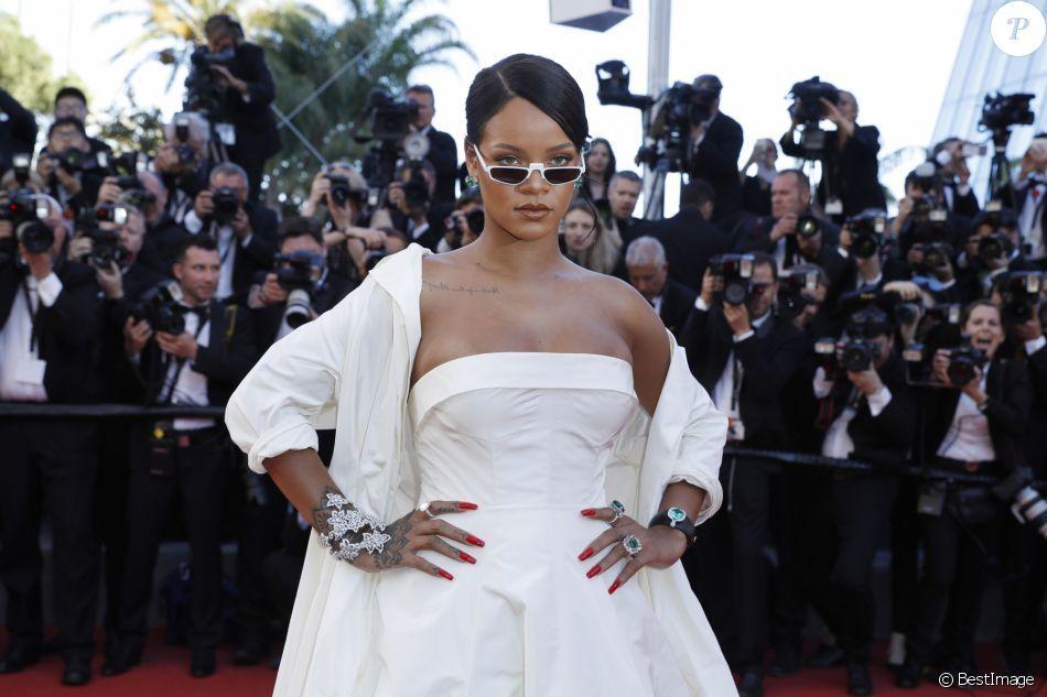 RiRi killing it 😍 throwback to #Cannes2017 #fashion