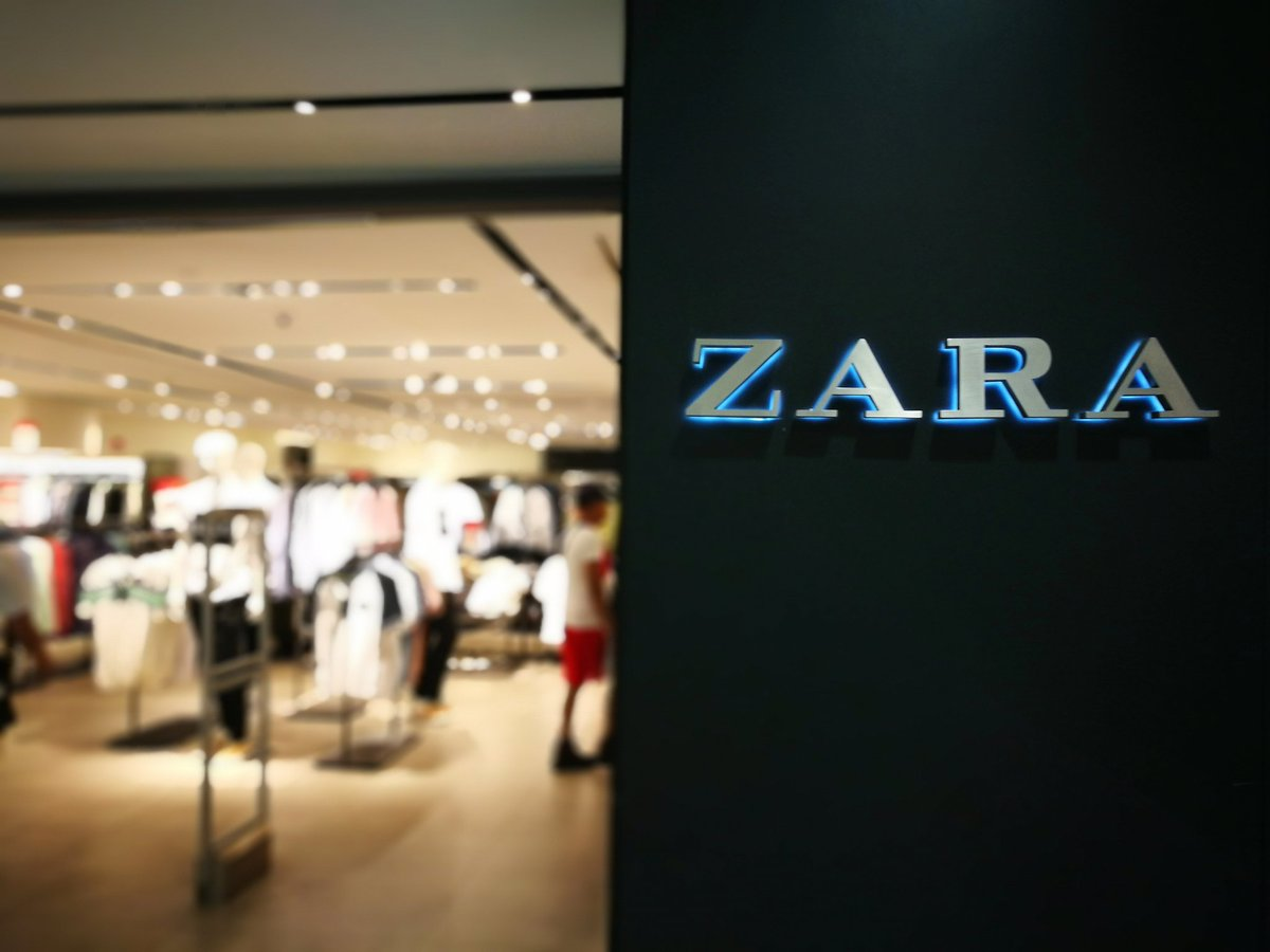 Panic buying starts today #ZaraSale <br>http://pic.twitter.com/RmTTcHYa3B