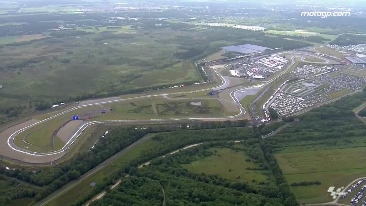 #MotoGP vs McLaren GT🏁  Zarco vs Senna: UNCUT🎥 https://t.co/iWX0waiRYH