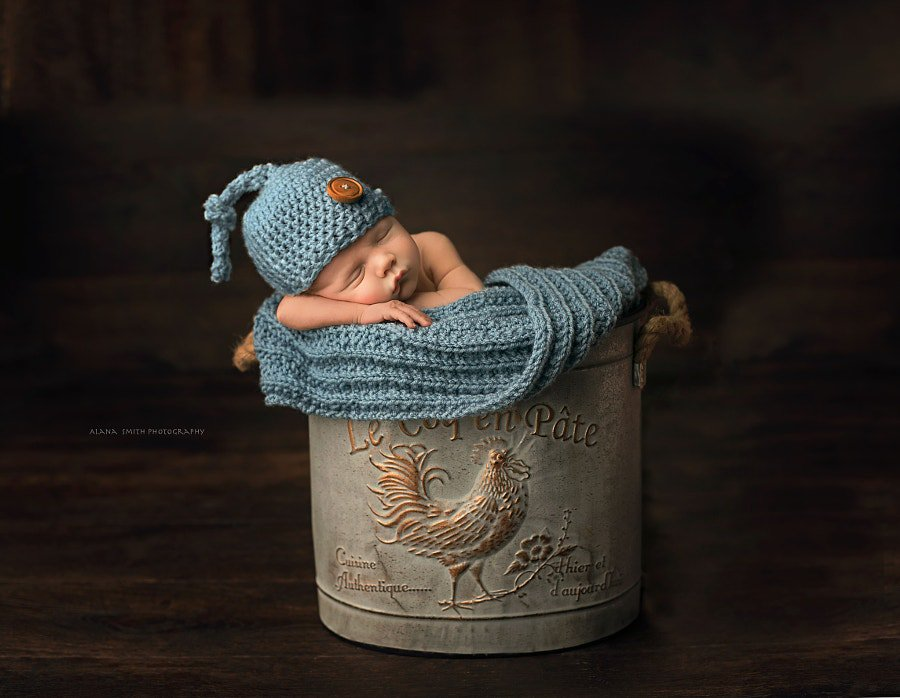 &quot;Newborn Baby&quot; by Alana Smith Profile:  http:// hubs.ly/H07V73f0  &nbsp;    #500px #Baby <br>http://pic.twitter.com/fV9nLc9xDN