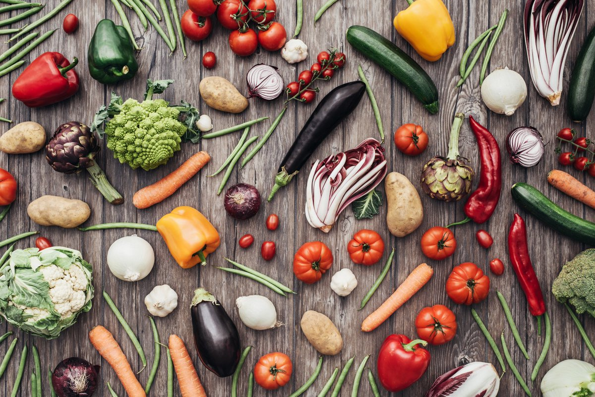 Alter your diet &amp; your microbiome also changes in as little as 2 days.High-fiber,#plantbased foods support feed #healthy gut bacteria. <br>http://pic.twitter.com/FexI8w7qNJ