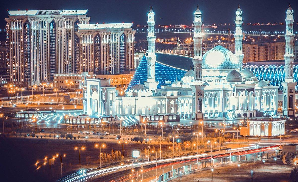 Wishing all our Muslim friends around the #world a happy &amp; blessed Eid! #EidMubarak  #Sunday @Kazakhstan #Peace #Astana #Muslims<br>http://pic.twitter.com/7dclik2nBd