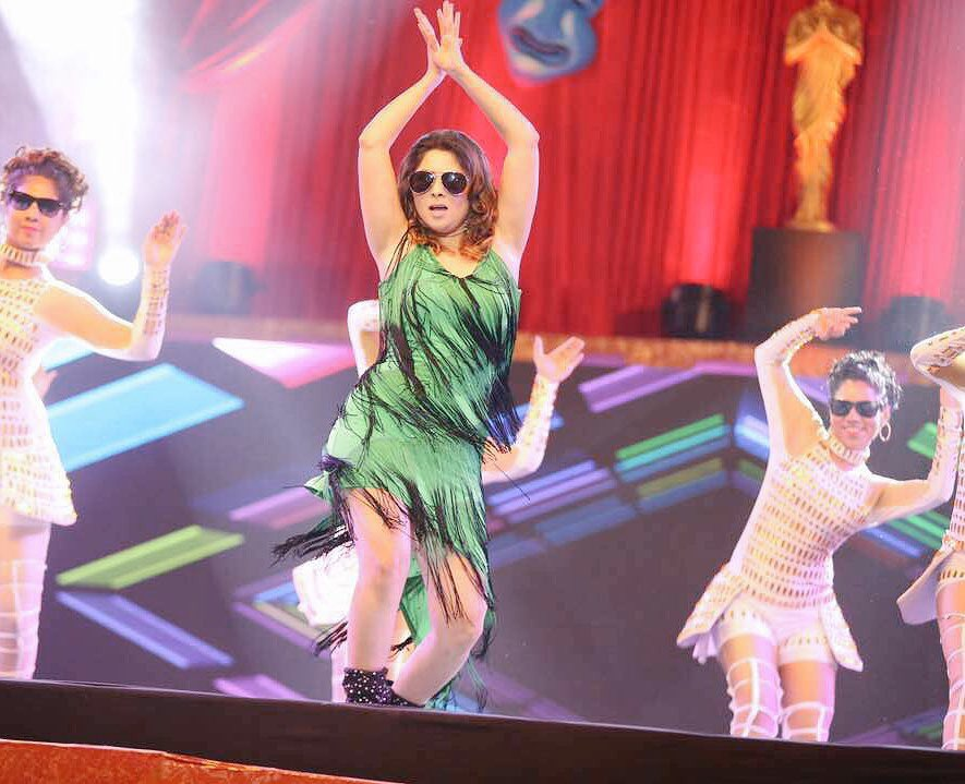 Excited To Watch #अप्सरा  @meSonalee Mam Power Pack #Performance in Today @SKDAward  At 6 PM on @ColorsMarathi  @mesonaleeFC<br>http://pic.twitter.com/QDYkALJdlq