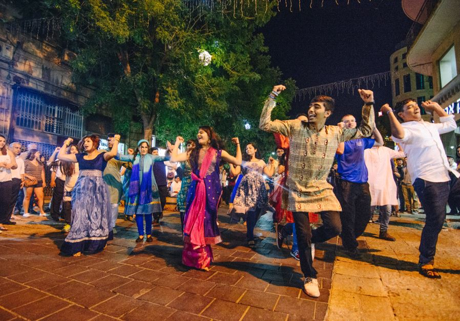 Indian Jews bring #Bollywood flair to #Jerusalem.  https:// goo.gl/6qXEVw  &nbsp;  <br>http://pic.twitter.com/Lm4vvls4MD
