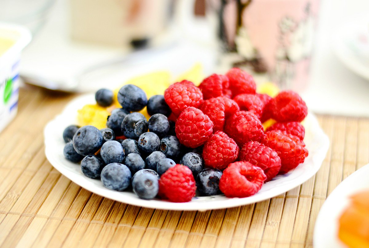 Start your day right with these #yummy and #healthy breakfast ideas!  http:// ow.ly/XX6w30cAyVG  &nbsp;  <br>http://pic.twitter.com/8E9rGq1u0i